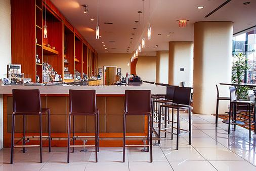 Pinnacle Hotel Harbourfront - Vancouver - Bar