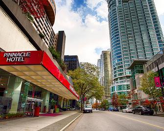 Pinnacle Hotel Harbourfront - Vancouver - Edificio