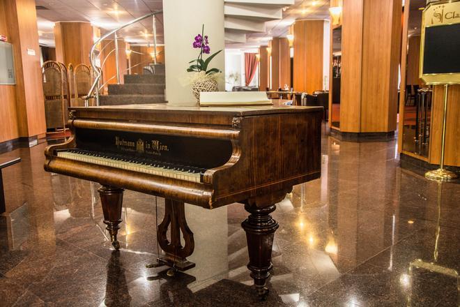 Hotel Class - Bucharest - Lobby