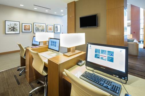 Hyatt Place Pensacola Airport - Pensacola - Business Center
