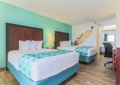 Surf & Sand Hotel - Pensacola Beach - Bedroom