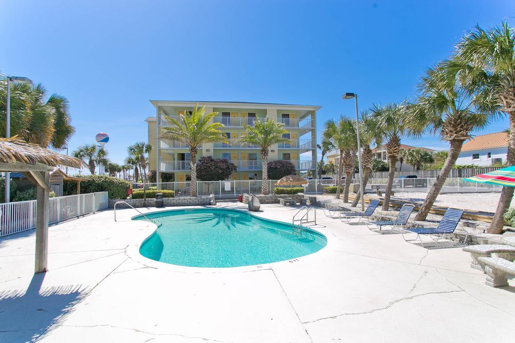 Surf & Sand Hotel $58 ($̶2̶2̶8̶)  Pensacola Beach Hotel Deals