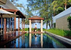 Grand West Sands Resort & Villas Phuket - Mai Khao - Σαλόνι