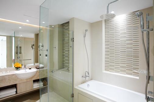 Grand West Sands Resort & Villas Phuket - Mai Khao - Μπάνιο