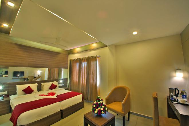 Hotel Saas Tower - Cochin - Quarto