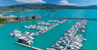 Coral Sea Marina Resort - Airlie Beach - Vista del exterior