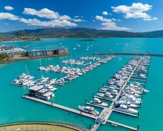 Coral Sea Marina Resort - Airlie Beach - Venkovní prostory