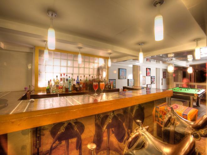 海星海灘度假酒店 - 卡蘭古特 - 卡蘭古特 - 酒吧