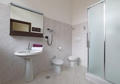 B&B Hotel Roma Trastevere - Rome - Phòng tắm