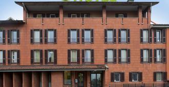 บีแอนด์บี โรงแรมแบร์กาโม - เบอร์กาโม