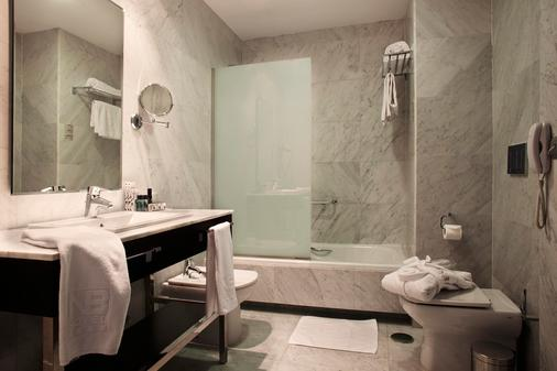 Hotel Nuevo Boston - Madrid - Bathroom