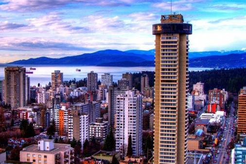 Empire Landmark Hotel - Vancouver - Outdoors view