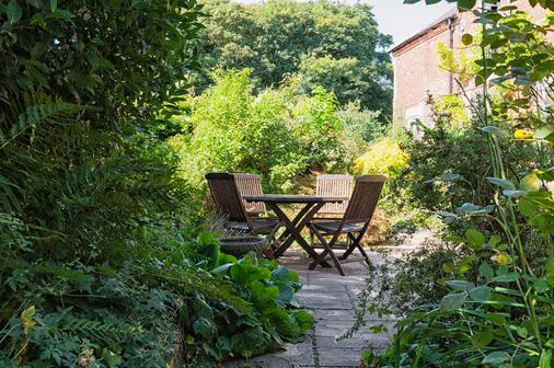 The Coach House - Derby - Patio
