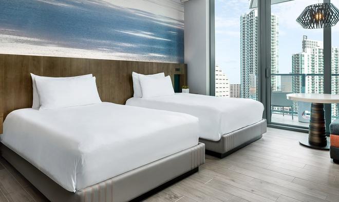 East, Miami - Miami - Makuuhuone