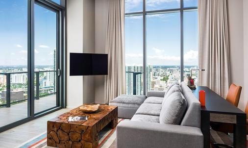 East, Miami - Miami - Living room