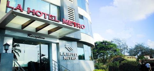 La Hotel Metro - Mumbai - Rakennus