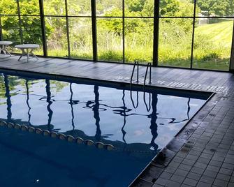 Fairbridge Hotel Cleveland East - Wickliffe - Zwembad