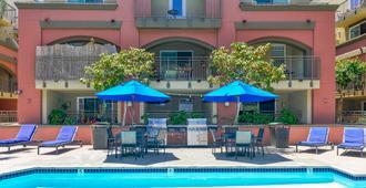 聖地牙哥市中心鵜鶘住宿飯店 - 聖地亞哥 - 游泳池