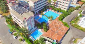 加濟帕夏星級飯店及公寓 - 錫德 - 游泳池