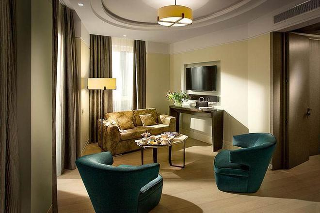 Hotel Cavour - Milan - Living room