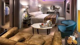 Hotel Cavour - Milan - Bedroom