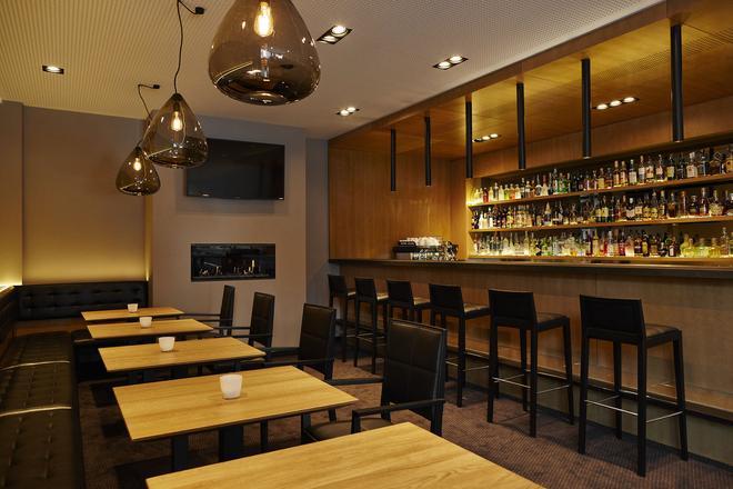 迪畔檔斯高爾夫酒店 - 布拉格 - 酒吧