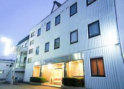 Ebisu Hotel - Ina - Building