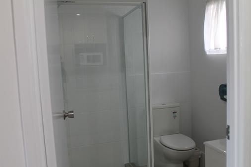 Alexander Motel - Warwick - Bathroom