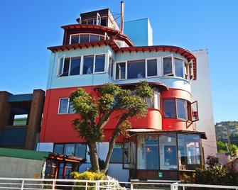 Hostal Ansaldi - Valparaiso - Building