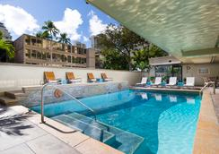Aqua Ohia Waikiki Studio Suites - Honolulu - Piscina