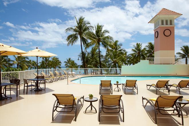 Park Shore Waikiki - Honolulu - Pool