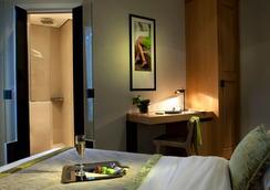 Hotel Marceau Champs Elysees - Pariisi - Makuuhuone