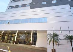 Hotel Maestro Premium Cascavel - Cascavel - Edifício
