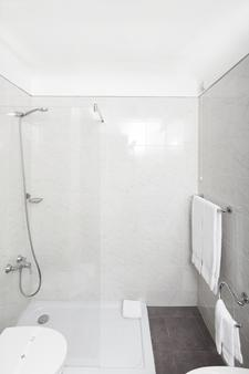 Hotel Porto Mar - Matosinhos - Bathroom