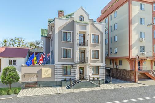公園街飯店 - 基希訥烏 - 建築