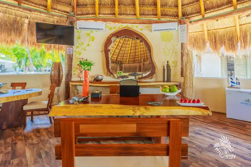 Hotel Paradise Suites - Isla Mujeres - Front desk