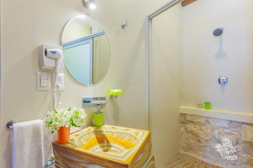 Hotel Paradise Suites - Isla Mujeres - Bathroom