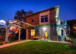 The Crash Pad - An Uncommon Hostel - Chattanooga - Edifício