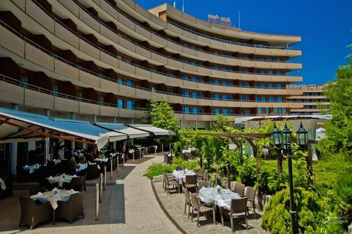 Grand Hotel Pomorie - Pomorie - Building