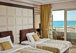 Grand Hotel Pomorie - Pomorie - Bedroom
