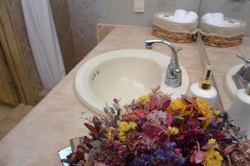Casa Muuk' - San Miguel de Allende - Bathroom