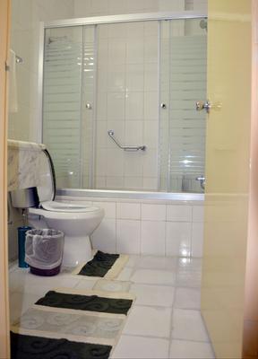 Amra Palace International Hotel - Wadi Musa - Bathroom