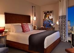 Hotel Contessa - Luxury Suites on the Riverwalk - San Antonio - Bedroom