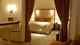 Chateau Cervantes - San Juan - Bedroom