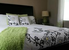 Posh Palm Springs Inn - 팜스프링스 - 침실