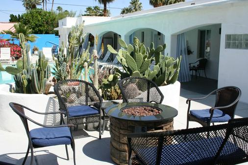 Posh Palm Springs Inn - 棕櫚泉 - 天井