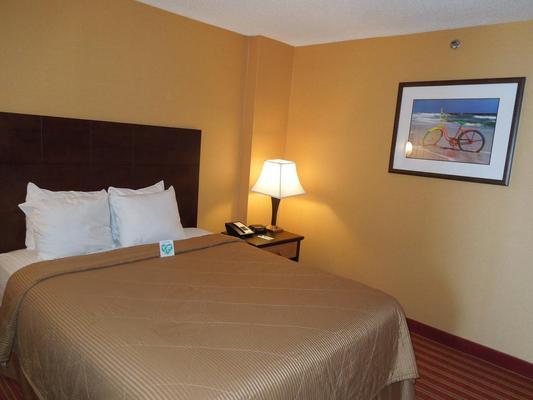 Comfort Inn & Suites Virginia Beach - Oceanfront - Virginia Beach - Habitación