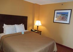 Comfort Inn & Suites Virginia Beach - Oceanfront - Virginia Beach - Phòng ngủ
