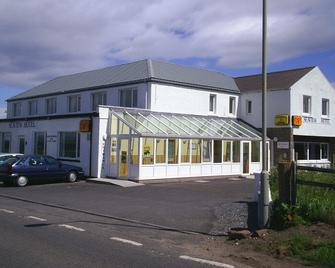 Seaview Hotel - Wick - Building