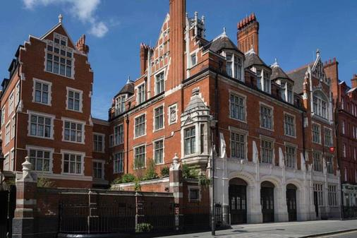 Chiltern Firehouse - London - Building